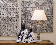 Figuras de buda acabados en blanco y negro para incorporar también a espacios modernos. Ya los puedes comprar en nuestra tienda de Madrid. Figuras de buda acabados en blanco y negro para incorporar también a espacios modernos. Ya los puedes comprar en nuestra tienda de Madrid.