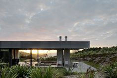Island Retreat by Fearon Hay Architects in thisispaper.com