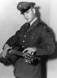Elvis Presley rare pictures - 120 Pics   Curious, Funny Photos / Pictures