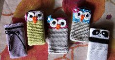 Virkattuja kännykkäkoteloita. Innostuin virkatuista kännykkäkoteloista löydettyäni upeita kuvia sellaisista googlen kuvahaun avulla. S... Yarn Bombing, Textile Fabrics, Creative Kids, Fingerless Gloves, Arm Warmers, Knit Crochet, Arts And Crafts, Stitch, Knitting