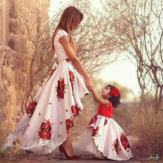 Mommy and Me OMG! How cute is j whittle mommy and me outfit. Mommy and Me Source : OMG! How cute is j whittle mommy and me outfit. Mother Daughter Fashion, Mom Daughter, Mother Daughters, Mommy And Me Outfits, Kids Outfits, Mommy And Me Dresses, Christmas Skirt, Matching Outfits, My Outfit