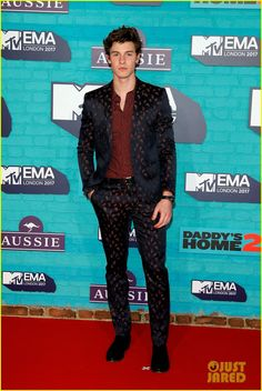 Shawn Mendes Is a Dapper Dan at MTV EMAs 2017 | shawn mendes set to perform at mtv ema 2017 01 - Photo