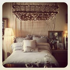 Who knew an old mattress frame could be so gorgeous!!