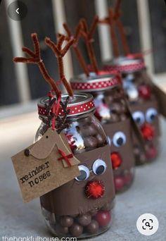 Mason Jar Christmas Gifts, Christmas Party Favors, Mason Jar Gifts, Homemade Christmas Gifts, Mason Jar Diy, Christmas Crafts, Gift Jars, Christmas Christmas, Christmas Ideas
