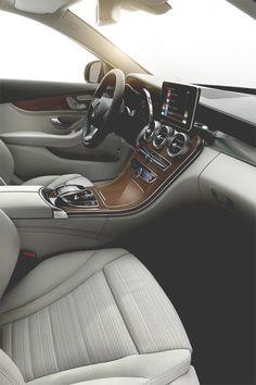 Mercedes-Benz C 300 BlueTEC HYBRID interior.