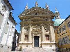Graz: 7 atracciones para conocer la ciudad austriaca - EUROPEOS VIAJEROS Graz Austria, Taj Mahal, Mansions, House Styles, Building, Home, Monuments, Getting To Know, Tourism