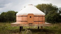 http://cabinporn.com/post/129186364090/yurt-in-dumfries-and-galloway-scotland-built