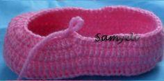 Patucos tejidos al Crochet - diy | Paso a Paso Diy Paso A Paso, Crochet Diy, Yeezy, Adidas Sneakers, Beanie, Hats, Elsa, Fashion, Fuzzy Slippers