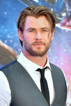 If you want hairstyles like Hemsworth then here we have collected a large number of hairstyles to choose from. There are various types of Chris Hemsworth haircuts available. Chris Hemsworth Thor, Age Of Ultron, Charlize Theron, Hemsworth Brothers, Elsa Pataky, Marvel Actors, Marvel Man, People Magazine, Luke Evans