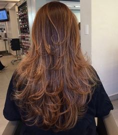 Layered Hairstyle For Long Thin Hair