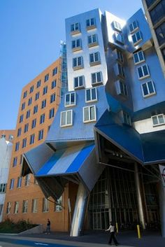 Frank Gehry The Ray and Maria Stata Center for MIT Cambridge, Massachusetts