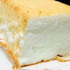 This angel food loaf recipe makes a tasty simple cake. This recipe calls for a lot of egg whites, but the egg yolks can always be used to make an omelette so there is nothing wasted. Angel Food Loaf Recipe from Grandmothers Kitchen. Angle Food Cake Recipes, Loaf Recipes, Homemade Cake Recipes, Baking Recipes, Dessert Simple, Egg White Recipes, Recipes With Egg Whites, Easy Desserts, Dessert Recipes