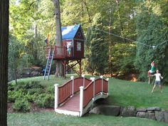 Barbara Butler-Extraordinary Play Structures for Kids -Bluebird Treehouse