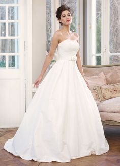 Luv Bridal - M1335L Wedding Dress, $0.00 (http://www.luvbridal.com/m1335l-wedding-dress/)
