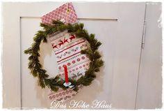 Das Hohe Haus - ZEITLOS SCHÖN WOHNEN | Das Hohe Haus - Der Onlineshop Christmas Wreaths, Holiday Decor, Home Decor, Homes, Nice Asses, Decoration Home, Room Decor, Home Interior Design, Home Decoration