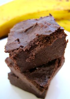 Banana no-bake fudge. Few ingredients. Best Dessert Recipes, Raw Food Recipes, Fun Desserts, Baking Recipes, Snack Recipes, Baking Ideas, Autoimmun Paleo, Vegan Gluten Free Desserts, Vegan Treats
