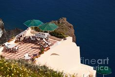 Terrace on de cliff in Santorini_ Greece