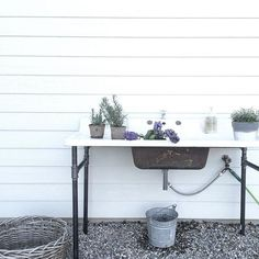 Outside sink of my dreams! Outside sink of my dreams! Outdoor Kitchen Sink, Outdoor Sinks, Outdoor Bathrooms, Outdoor Garden Sink, Lavabo Exterior, Outside Sink, Outdoor Spaces, Outdoor Living, Shed Plans