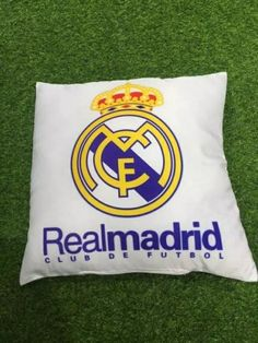 http://www.cheapsoccerjersey.org/pillow-real-madrid-cf-white-p-11410.html