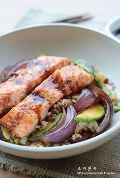 연어구이  덮밥-  salmon over rice