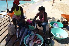 Os rostos das mulheres de África http://teresavaideferias.blogspot.pt/