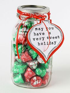 MASON JAR GIFT IDEAS: Use mason jars to create and give gifts this holiday season with these 25 ideas and DIY gift tutorials. Here you'll find fun ideas for kids, delicious gift ideas for foodies, handy gifts for crafting, cute gift ideas for pets, and thoughtful gifts for best friends! Click through for the easy instructions, fun photos, and holiday inspiration.