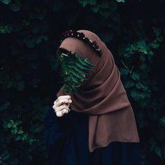 23 best art animasi hijab - my ely Anime Muslim, Muslim Hijab, Hijab Niqab, Hijab Chic, Hijabi Girl, Girl Hijab, Niqab Fashion, Muslim Fashion, Hijab Dress