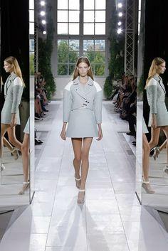 Balenciaga Spring 2014 Ready To Wear Collection  http://www.spiceupboringlife.com/2013/12/balenciaga-spring-2014-ready-to-wear.html