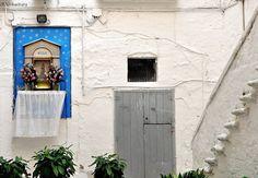 For alleys Old Bari...