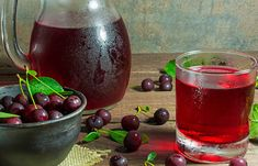 Remedies For Pain Gout can be an extremely uncomfortable and painful ordeal for the person affected. - Gout can be an extremely uncomfortable Home Remedies For Gout, Gout Remedies, Natural Remedies, Health Remedies, Juicing For Arthritis, Gout Flare Up, Tart Cherry Juice Concentrate, Gout Recipes, Uric Acid