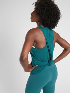 Athleta NWT Women/'s Essence Vital Tie Back Tank Size Small  Color White