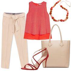 Un look perfetto per l'ufficio o serate casual, con un'allure chic. I pantaloni beige, in modello chino, con fusciacca sono abbinati al top senza maniche, in microfantasia sul rosso. La borsa a mano beige ha una linea pulita e classica così come i sandali rossi, con tacco medio. La collana con pietre colorate sui toni dal beige al rosso, passando per il corallo donano al look un tocco di modernità e glamour.
