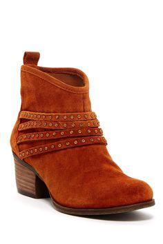 c896889978 Jessica Simpson Clauds Bootie 62% Off ~  37.50 Sapatos