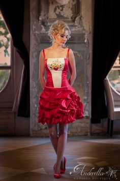 Hungary, Budapest, Culture, Weddings, Beautiful, Dresses, Fashion, Gowns, Moda