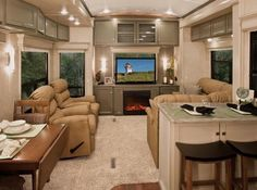 .Fifth wheel interior pic. t
