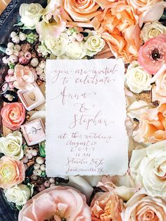One word came to mind when we laid eyes on this ballet-inspired editorial from Lisa Silva: grace. In the movement, the colors and especially the details. Boudoir Photography, Wedding Photography, Loft Studio, Urban Loft, Cream Wedding, Wedding Blog, Wedding Ideas, Wedding Designs, Floral Wedding