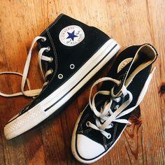 5a11b71e554e8 Diese All Stars Chucks von Converse in schwarz sind wahre Kult-Schuhe -  sicher weil