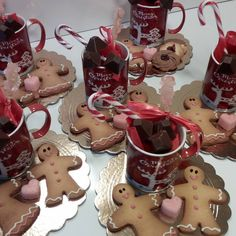 Gingerbread Cookies, Type 3, Theater, Facebook, Desserts, Photos, Food, Gingerbread Cupcakes, Tailgate Desserts