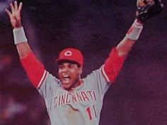 Cincinnati Reds will retire Barry Larkin's number 11. This will be the 10th number retired from the Reds organization.