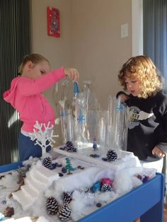 Frozen small world Nursery Activities, Sensory Activities, Sensory Play, Sensory Table, Christmas Activities, Winter Activities, Preschool Winter, Frozen Classroom, Role Play Areas