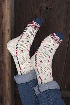 Ravelry: Sofia sukat by Tiina Kaarela Fair Isle Knitting, Knitting Socks, Hand Knitting, Knitting Patterns, Mitten Gloves, Mittens, Lots Of Socks, Wool Socks, Wrist Warmers
