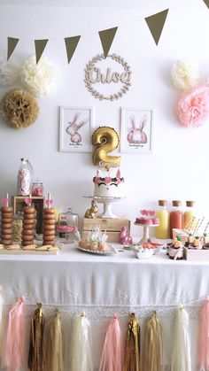 Candy bar  Bunny  2years idea  Mesa Dulce ideas  Donuts  Conejito  Pompones  Rosa  Niña