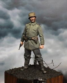 Here is a collection of some of my favorite WWI figures and dioramas in several different scales. Another Daily Dose for 04june2014 from the Michigan Toy Soldier & Figure Co.  www.michtoy.com