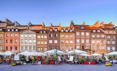 Ute etter billig storbyferie? I denne storbyen får du både hotell,mat og ... Warsaw Old Town, Warsaw Poland, Warsaw City, Week End En Europe, Cool Places To Visit, Places To Go, Visit Poland, Voyager Loin, Destinations