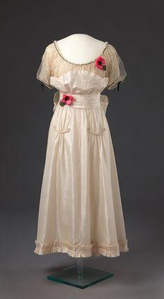 Dress, Alma Holtet, 1916.