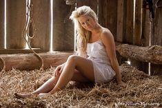 Senior Picture in small hay barn, Springfield Missouri!