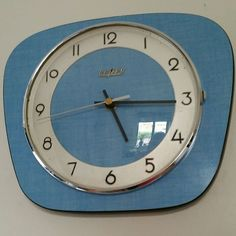 wall clock design 361273201340107738 - Blue Formica Kitchen Wall clock Made by Bayard. Vintage 60 s Source by amteadrinker Vintage Design, Vintage Wood, Vintage Ideas, Retro Design, Retro Clock, Vintage Wall Clocks, Kitchen Wall Clocks, Kitchen Decor, Wall Clock Design