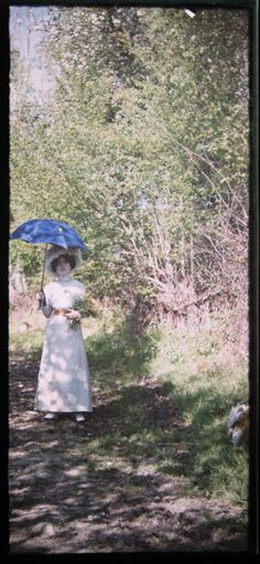 turnofthecentury:Anonymous autochrome, c.1910 - so magical to see the 'old world' in colour.