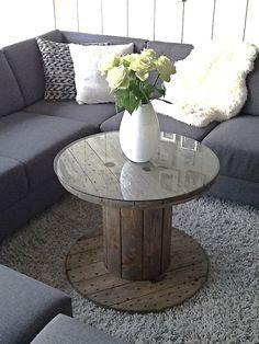 Boninas de cable como mesa