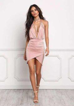 con un vestido rosa pastel off shoulder para lucir casual en tu día a día Junior Outfits, Sexy Outfits, Sexy Dresses, Short Dresses, Fashion Dresses, Prom Dress Shopping, Online Dress Shopping, Outfit Vestidos, Valentines Day Dresses